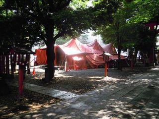 花園神社のテント