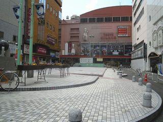 歌舞伎町の広場