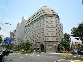日清食品の本社ビル