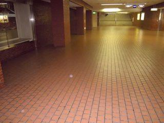 西武新宿駅の地下通路