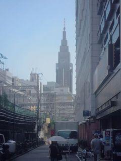 ドコモ代々木ビルを撮影した写真